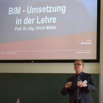 Prof. Dr.-Ing. Ulrich Möller der HTWK referierte zum Thema BIM - Umsetzung in der Lehre