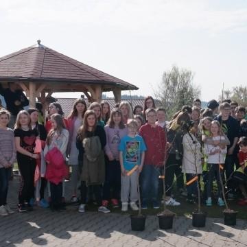 13. April 2016 Gemeinde Tiefenbach